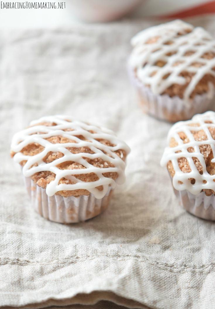 pumpkin-muffin-glaze